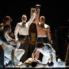 Champion : l'opéra boxe en comédie musicale à la Place des Arts