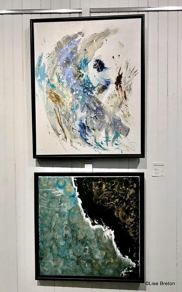 Les 2 toiles exposées de Mireille Stricker-Puaud Zénitude et Douceur de vivre Techniques mixtes Photo @Lise Breton