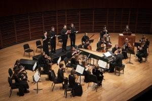 Les solistes, les musiciens et le chef