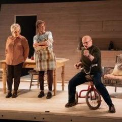 Les Enfants au théâtre Duceppe, une pièce forte sur nos responsabilités face à l'avenir du monde