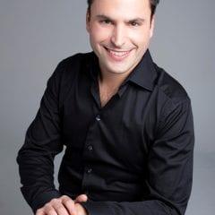 Le pianiste Jean-Philippe Sylvestre en prestation pour l'Orchestre classique de Montréal